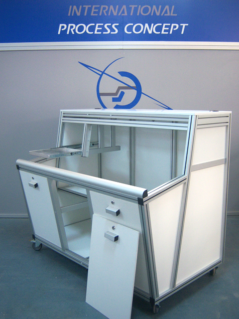 WORKSTATIONS AND TECHNICAL FURNITURE<br />Inclined wiring station